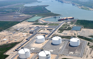 Lenders market due diligence study for an LNG port